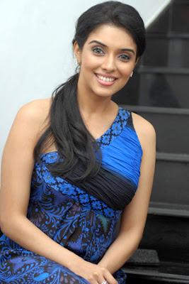 asin-hot-sexy-hindi-desi-tamil-telugu-mallu-kerala-actress-celebrity-aasin-ghajini-london-dreams-heroine