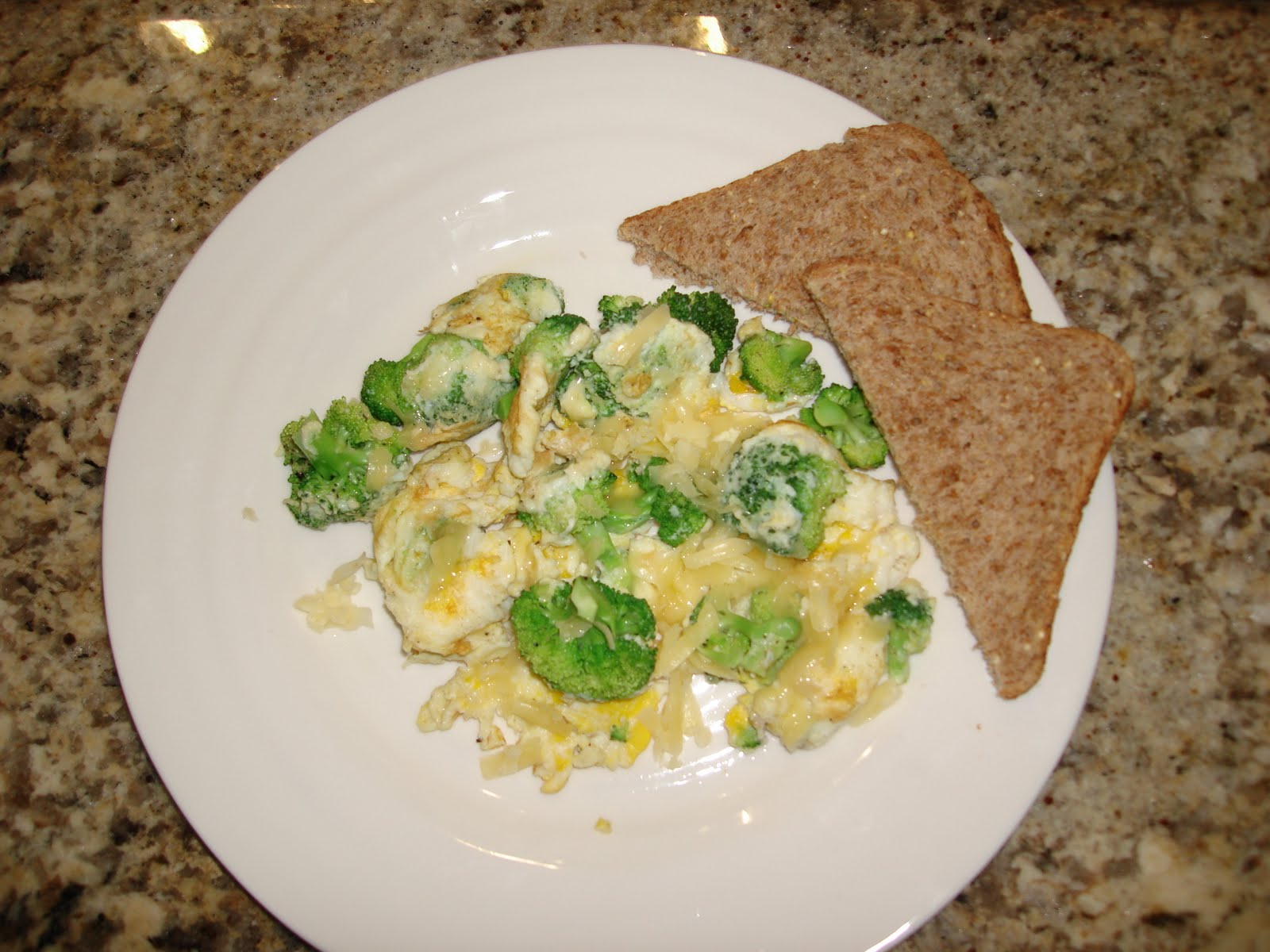 love.eat.be.: Broccoli + Cheddar Omelet