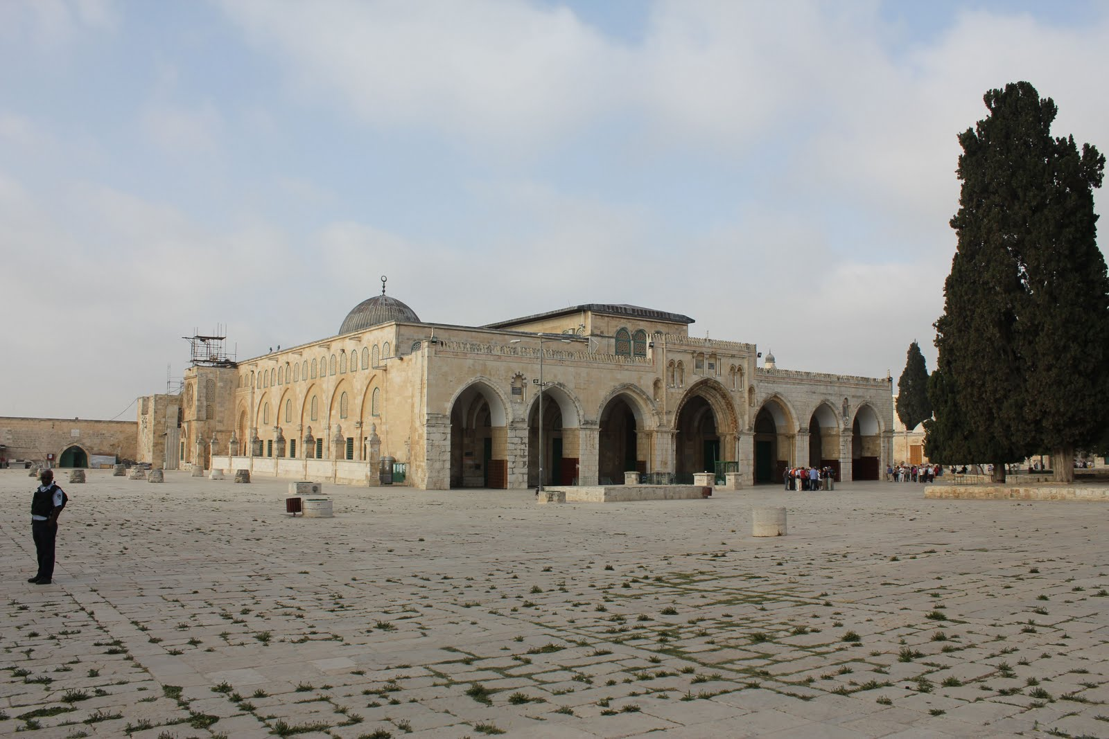 the function and appearance of the dome in the rock Although the monument's intended function continues to be debated, the dome  of the rock has historically functioned—and continues to.