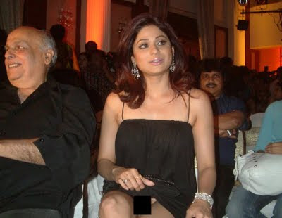 Bollywood Actress Shamita Shetty Showing Her ..... photos
