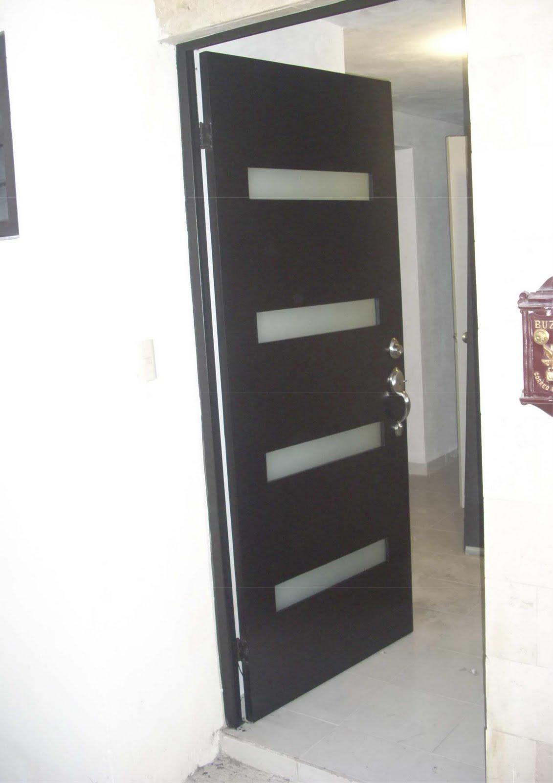 Fotos puertas principales com portal pelautscom picture for Puertas principales de cristal