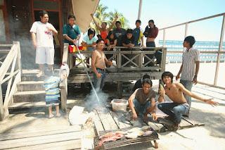 Pulau Derawan PDE Team Friends Bakar Ikan - Lupuzz Tarakan