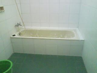 Kamar Mandi 2 Bathtub