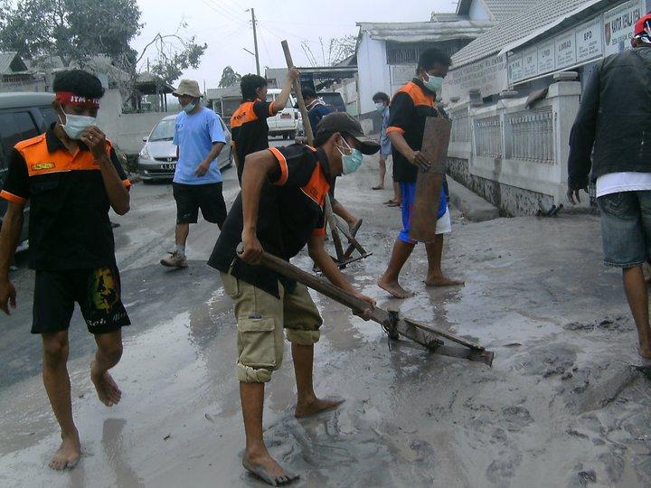 relawan merapi4