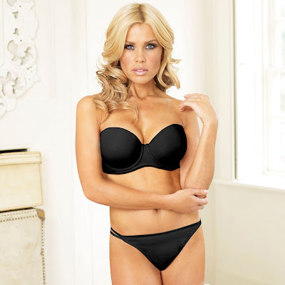 Melinda Messenger Hot Lingerie sexy photos