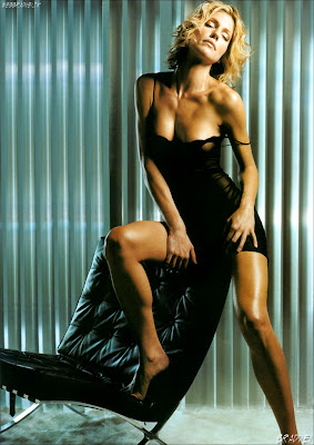 Tricia Helfer sexy pictures