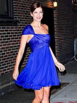 Kate Walsh in a Stunning Blue Dress pics