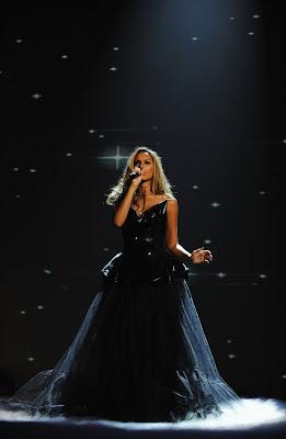 Leona Lewis Performs at MTV Europe Music Awards 2009 hot photo