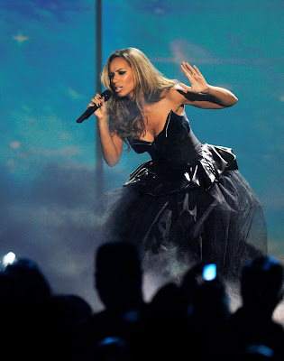 Leona Lewis Performs at MTV Europe Music Awards 2009 pictures