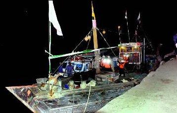 Cyclone 26 Fishing Trawlers Missing in Mumbai pics, Mumbai Alerts, Maharashtra Mumbai Alerts, Cyclone in Mumbai, Cyclone in Maharashtra