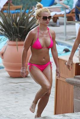 Britney Spears Bikini new pics
