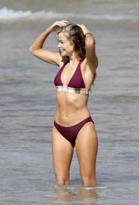 Denise Richards sexy bikini pics