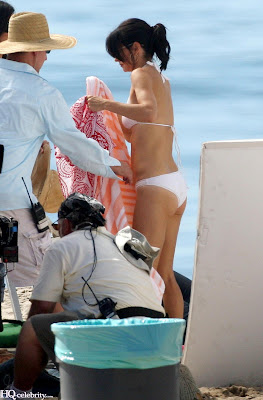 Courteney Cox Bikini pictures