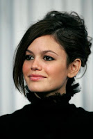 Rachel Bilson, red carpet, side part, hair