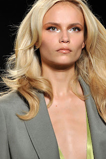 pale glossy lips, beauty trends, lipgloss, lip gloss, lip trends, runway beauty looks, Fashion Week, Donna Karan