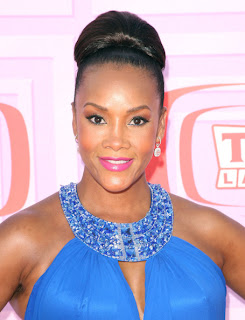 beauty trend, makeup trend, bright pink lips, lipstick, lipgloss, celebrity, Vivica A. Fox