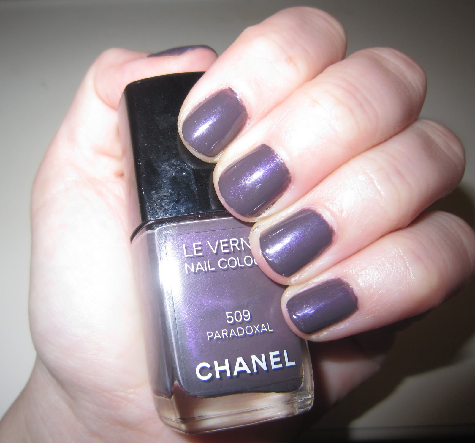 The Beauty of Life: Mani of the Week: Chanel Paradoxal