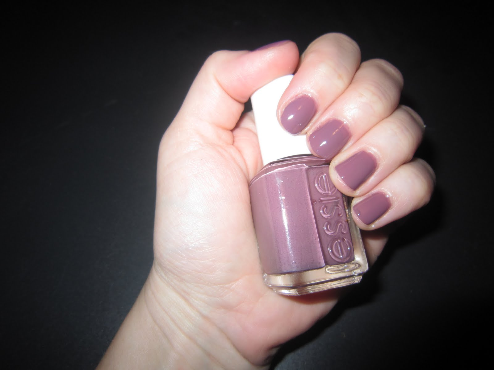 The Beauty of Life: Purple Perfection: Essie Island Hopping