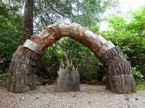 Awesome Tofino Botanical Garden: Sculpture Art
