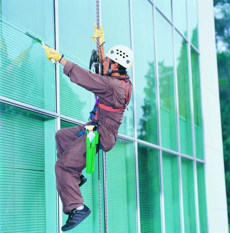 el trabajo en alturas es una actividad de alto riesgo y conforme a las ...