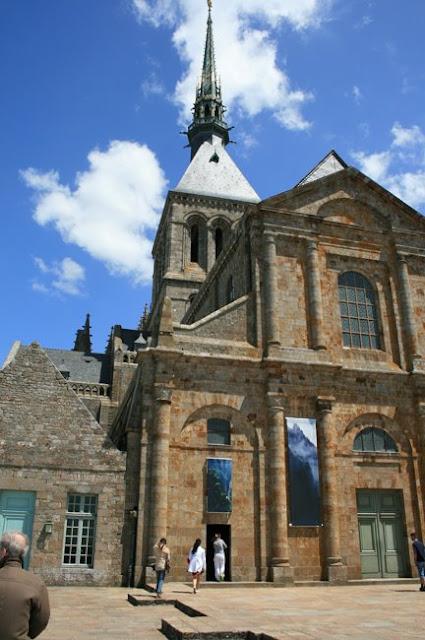 exteriores-monasterio-mont-st-michel