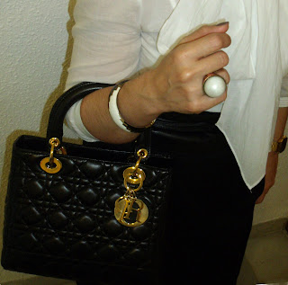 outfit-con-bolso-Dior