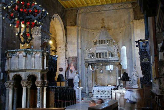 interiores+Catedral+Trogir+Croacia