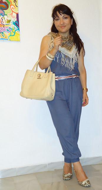 outfit+mono