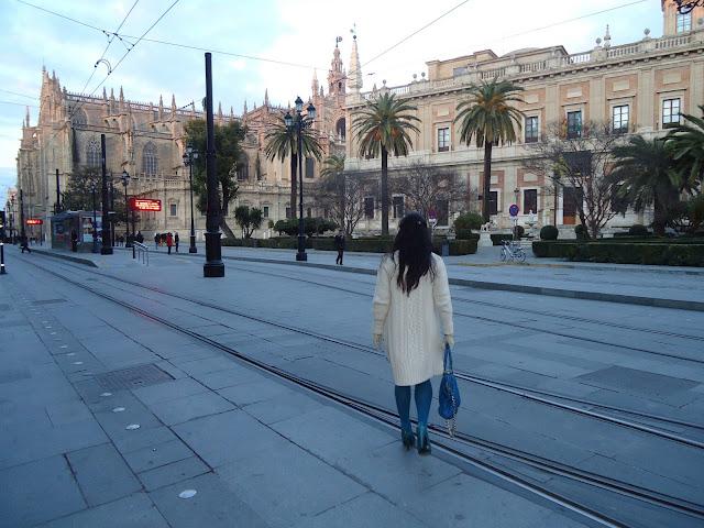outfit_con_anillo_de-Dame_pivoine