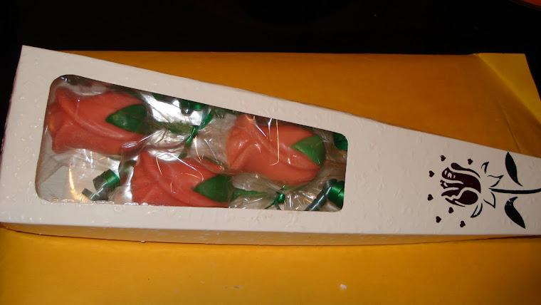 Caja de 3 Rosas de Chocolate