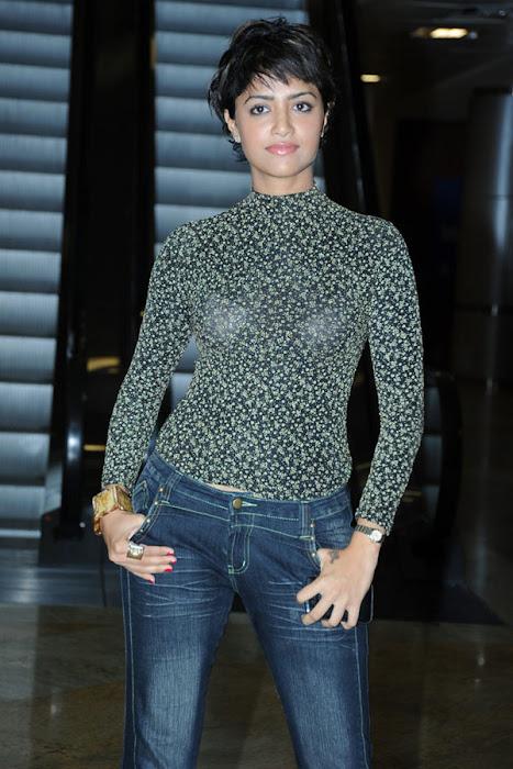 mamtha mohan das boy cut actress pics