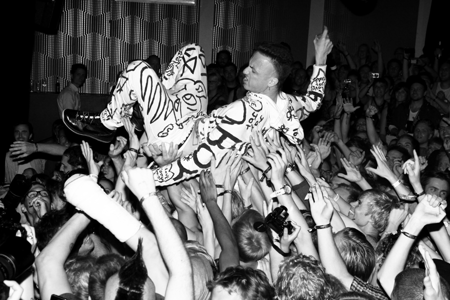 Chris saunders photography film music madness 1 die for Die antwoord fish paste