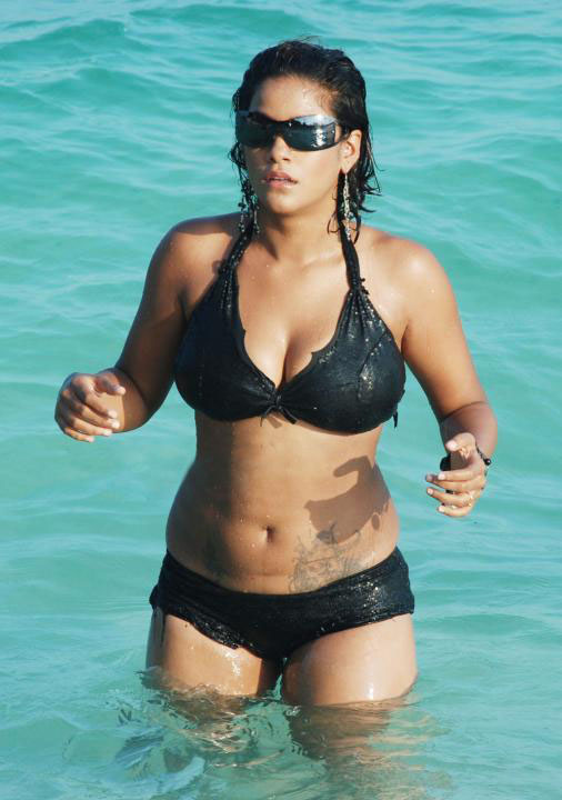 [Mumaith+khan+Bikini+Photos8.jpg]