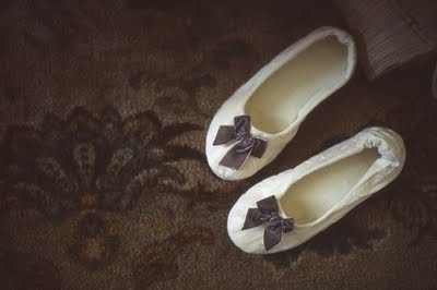 http://3.bp.blogspot.com/_BN6bxS2JwzA/SwaMANMyinI/AAAAAAAAFE0/sWg6tAExlLE/s1600/slippers.jpg