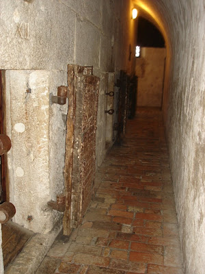 Камеры тюрьмы Поцци