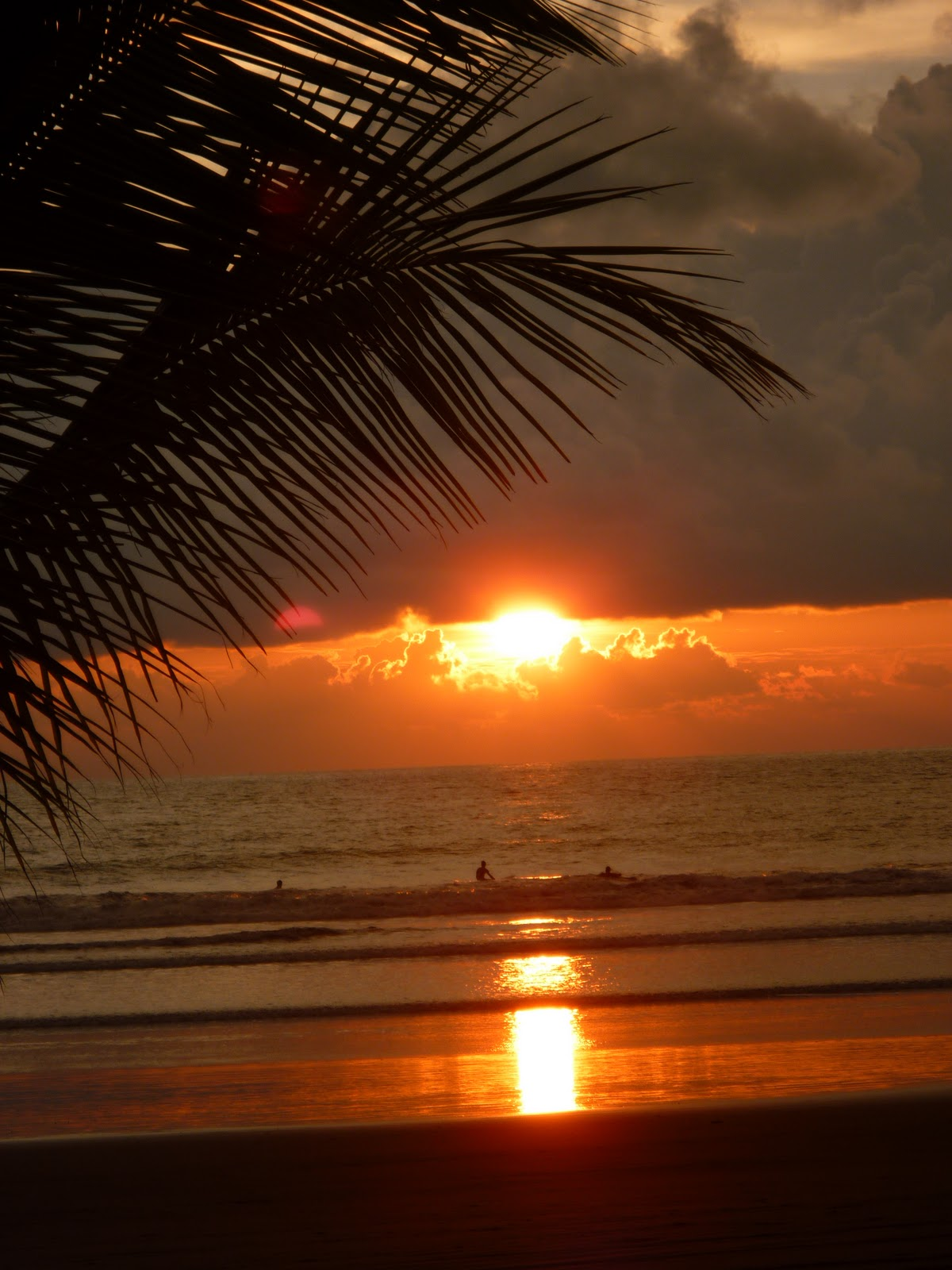 hotel catalina playa jaco costa rica photos taken sunset time today. Black Bedroom Furniture Sets. Home Design Ideas