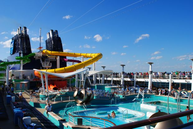 Cruise with christine pappin november 2010 for Epic pool show