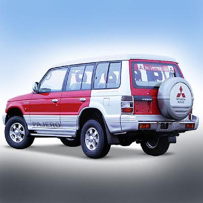 2007-Mitsubishi-Pajero-14.jpg
