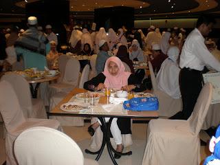 dewan makan semasa di madinah
