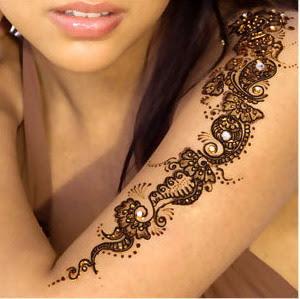 http://3.bp.blogspot.com/_BR_tHWQxY84/SqFL55GwOgI/AAAAAAAABWQ/58otIHQcy1g/s400/Beautiful_Mehndi_designs_8207_12.jpg