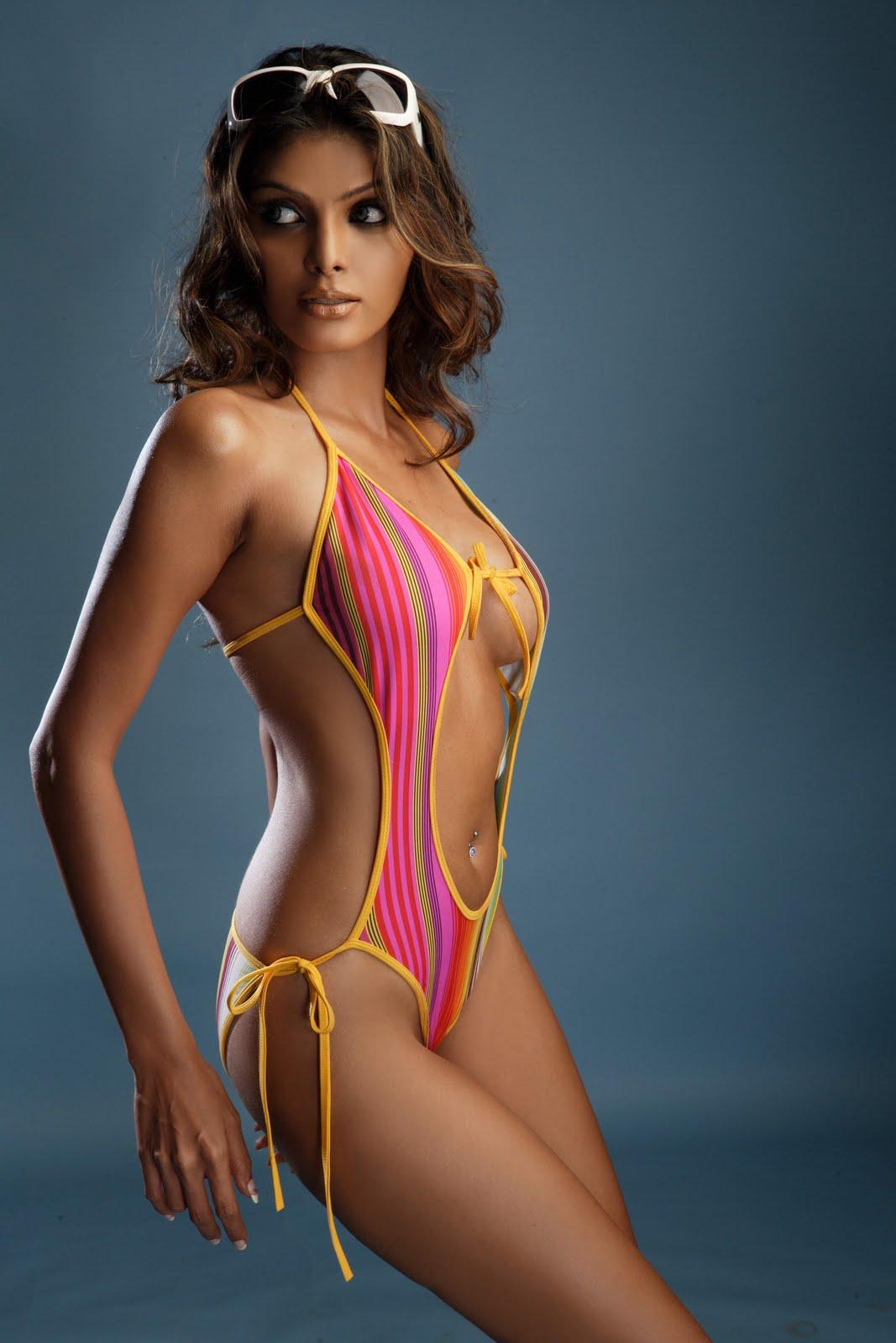 http://3.bp.blogspot.com/_BRoF0Cfublo/SwI--NPOjZI/AAAAAAAABWA/6Mn2ioT5ZOE/s1600/Sherlyn_Bikini.jpg+23.jpg