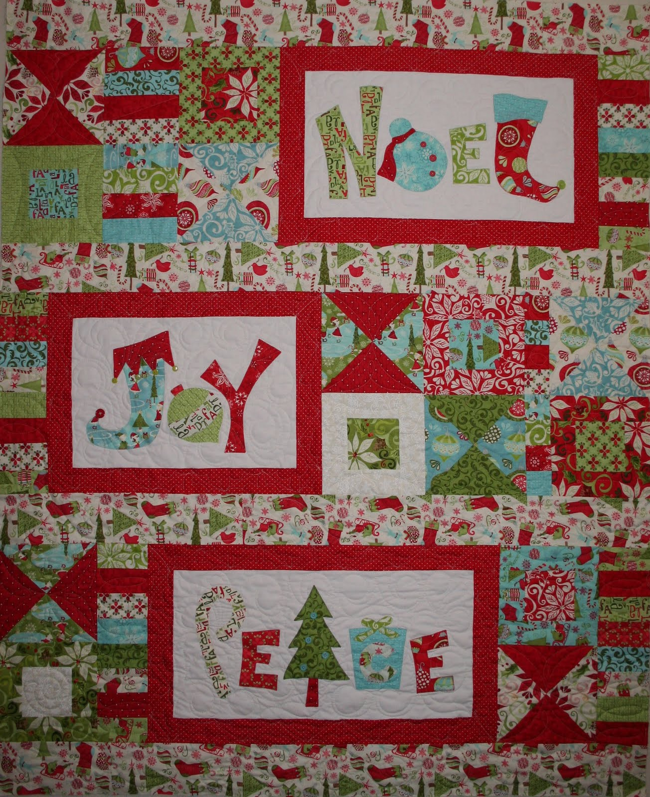 Crazy Old Ladies Quilts: Season's Greetings