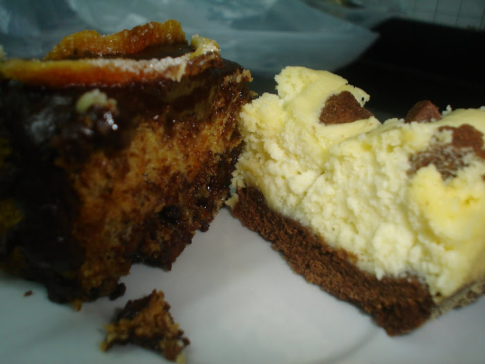 Budines de chocolate a la naranja y de cheesecake