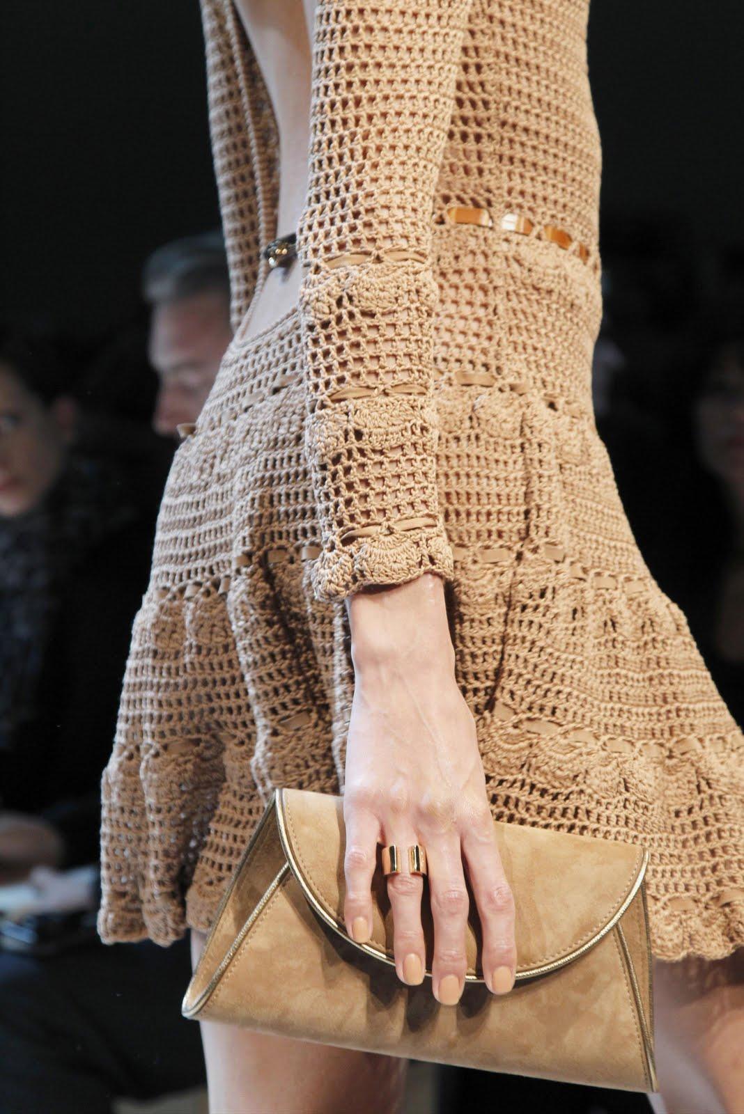 Потрясающая вязаное платье фотки