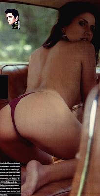 Ivana Acosta muestra la cola