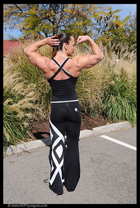 Doriana Young Female Muscle Bodybuilder HDPhysiques