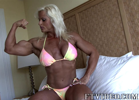 Nuriye Evans Female Muscle Biceps Bodybuilder FTVideo