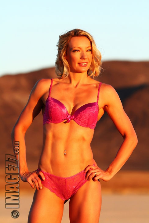 Julia Hubbard Female Muscle Figure Competitor Abs