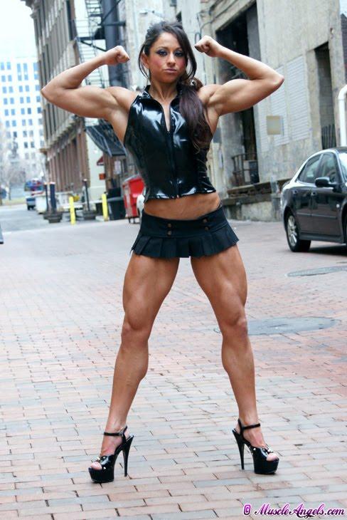 Rosanna Harte Female Muscle Flexing