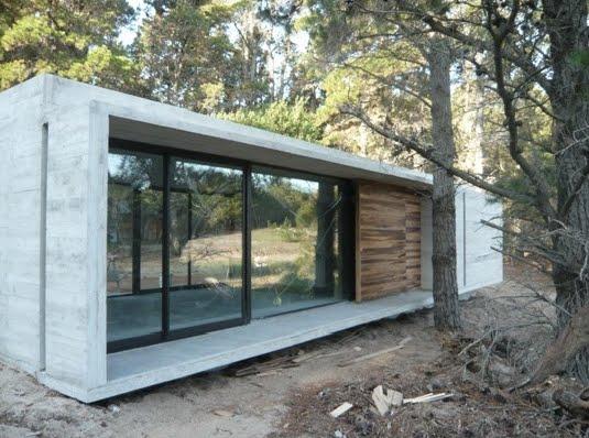 Hablemos un poco de todo casas de hormig n en el bosque de mar azul bak arquitectos - Casas de hormigon ...